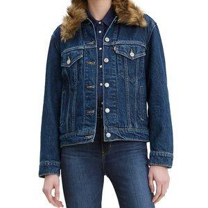 Levi's Ex Boyfriend Fur Collar Trucker Jacket